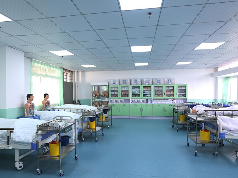 综合护理实训室2.JPG